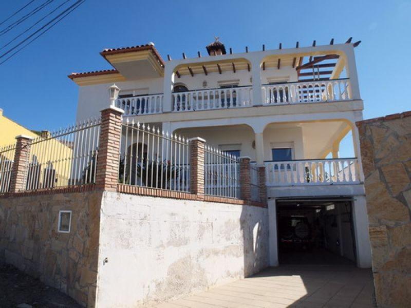 Villa - real estate in Mezquitilla