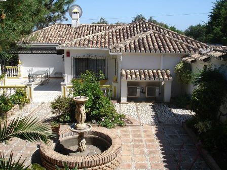 Villa - real estate in Mijas Golf