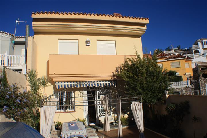 Villa for sale in Fuengirola