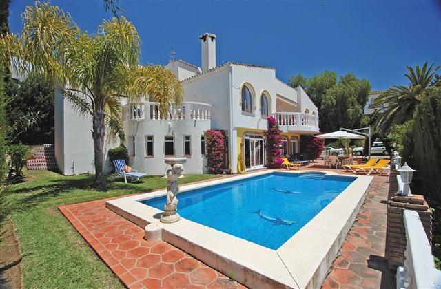 Villa - ejendomsmægler i Torremar