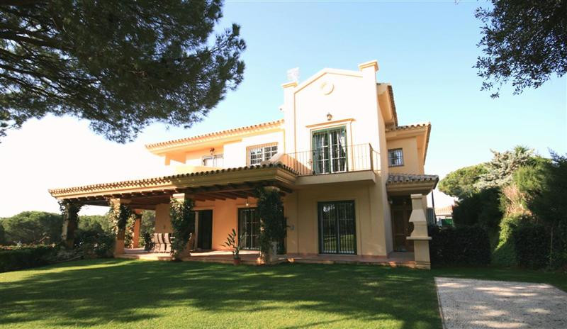 Villa for sale in Cabopino