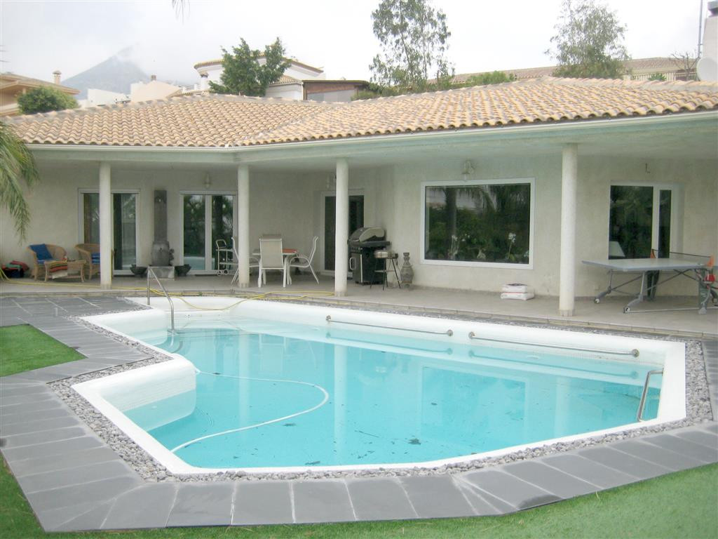 Luxury villa for sale in Benalmadena Costa