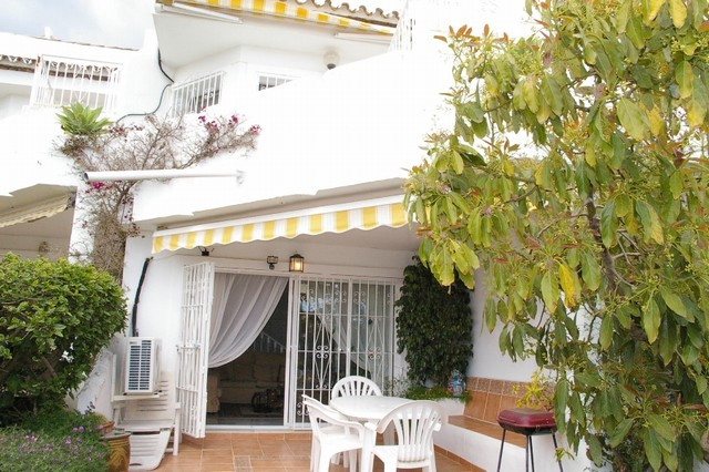Townhouse for sale in Calahonda