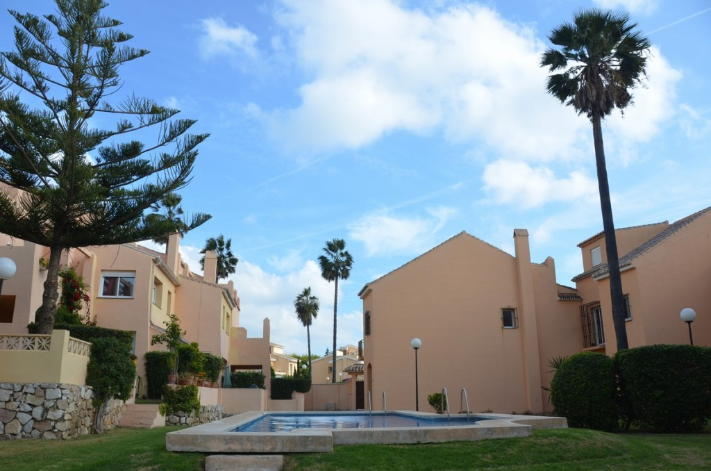 Townhouse for sale in El Rosario