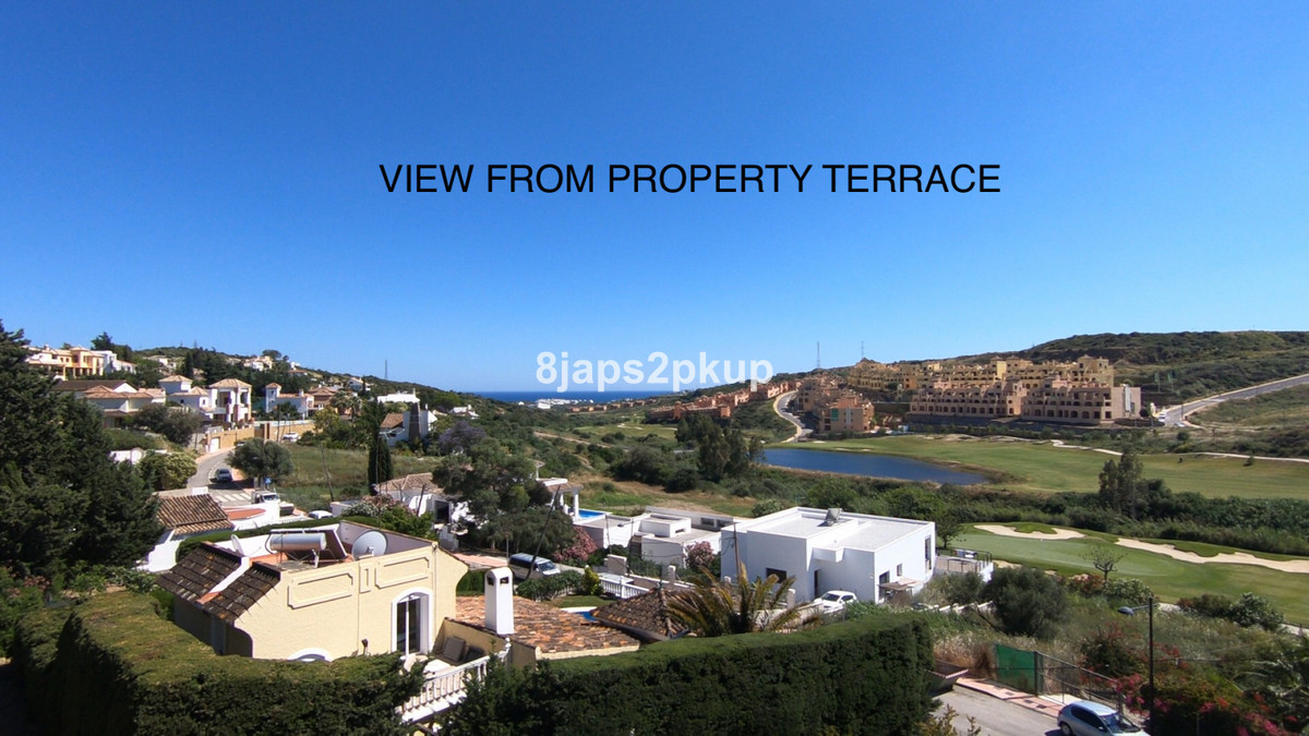 R3686678 | Residential Plot in Estepona – € 126,000