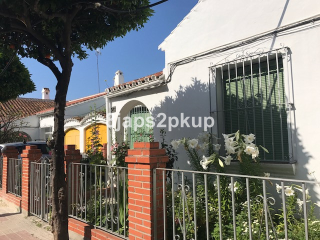 EXCELLENT & POTENTIAL Townhouse, Estepona, Costa del Sol. GREAT LOCATION CLOSE TO THE BEACH AND ,Spain