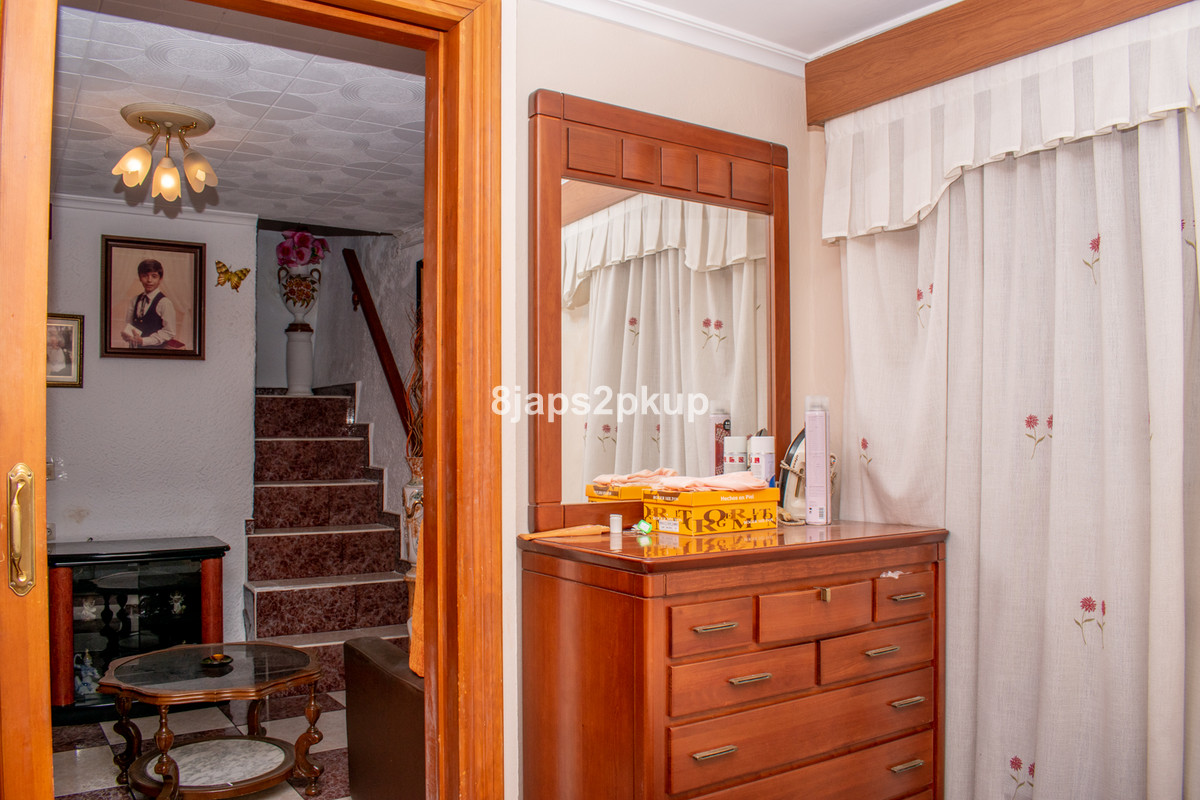 R3602702 | Townhouse in Estepona – € 175,000 – 2 beds, 1 baths