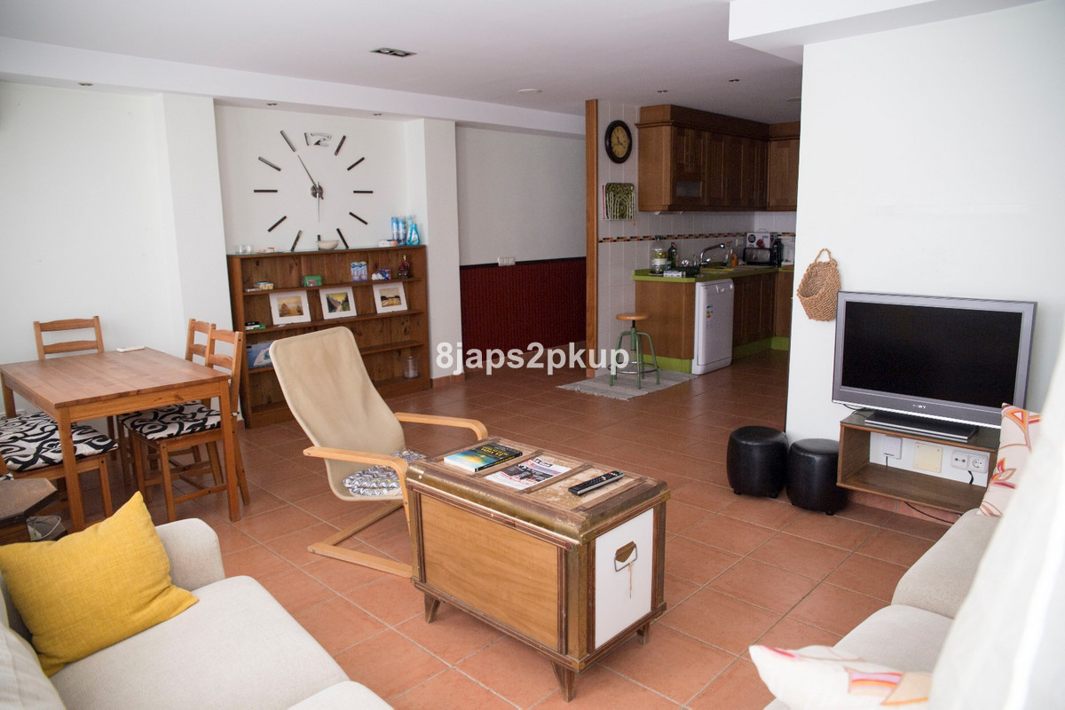 Middle Floor Apartment, Estepona Old Town, Costa del Sol. 2 Bedrooms, 1 Bathroom, Built 90 m².  Sett, Spain