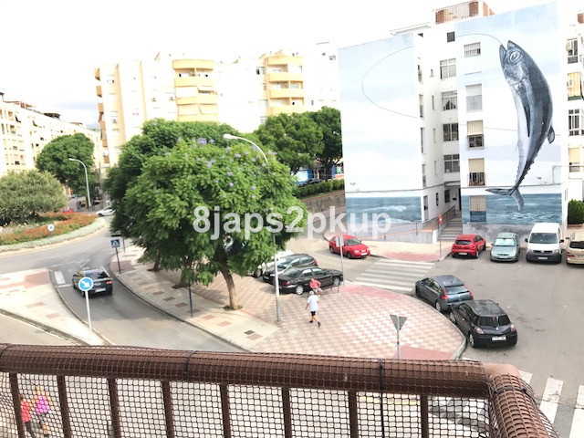 Middle Floor Apartment, Estepona, Costa del Sol. 4 Bedrooms, 1 Bathroom, Built 150 m², Terrace 4 m²., Spain