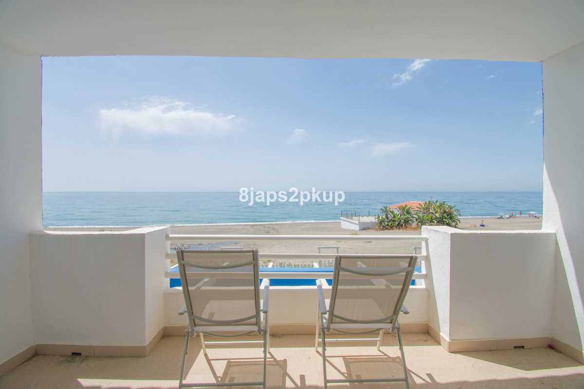 Townhouse in Estepona R3445840