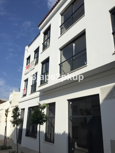 New building in Estepona town centre!!!!!!  Great location, walking distance beach and amenities, re, Spain
