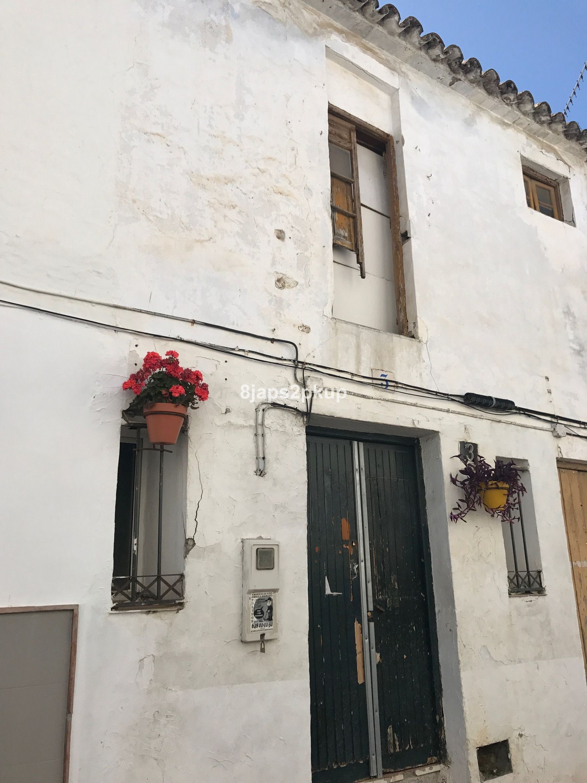 Potential little apartment in the heart of Estepona OLD TOWN CENTER Call us for viewings... this is ,Spain