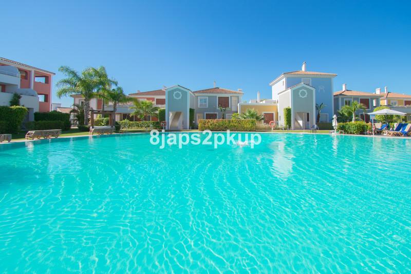 Apartamento Planta Baja en venta en Estepona – R3502483
