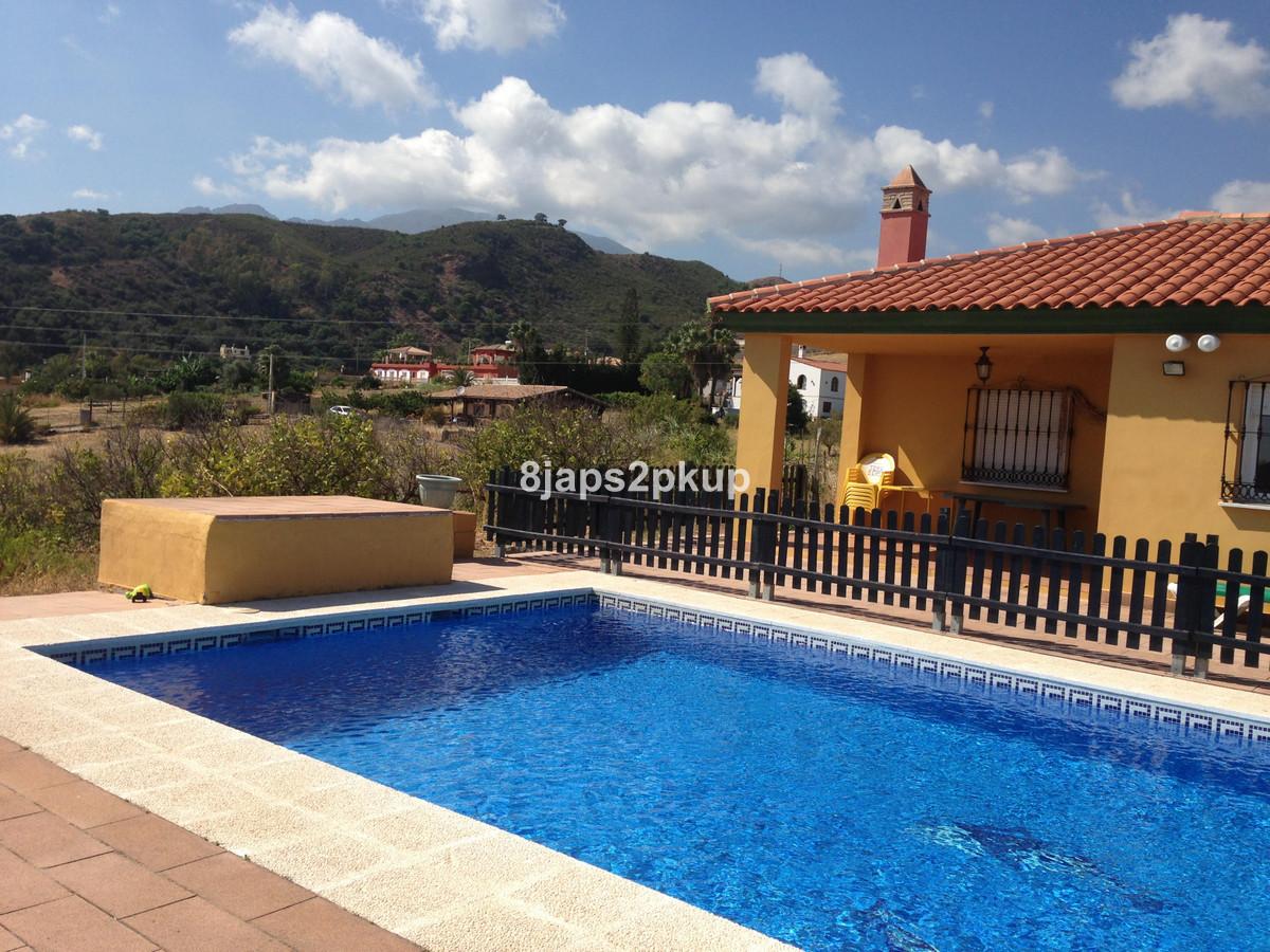 House - Estepona - R3176419 - mibgroup.es
