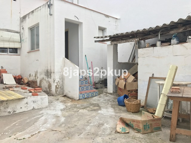 R2870729 | Townhouse in Estepona – € 169,000 – 3 beds, 1 baths