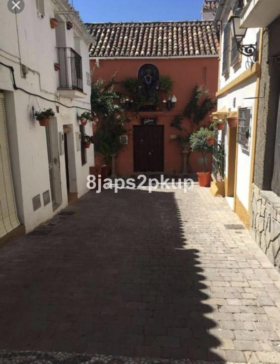 Ground Floor, Estepona Old Town, Costa del Sol. 2 Bedrooms, 1 Bathroom, Built 60 m², Garden/Plot 2 m,Spain