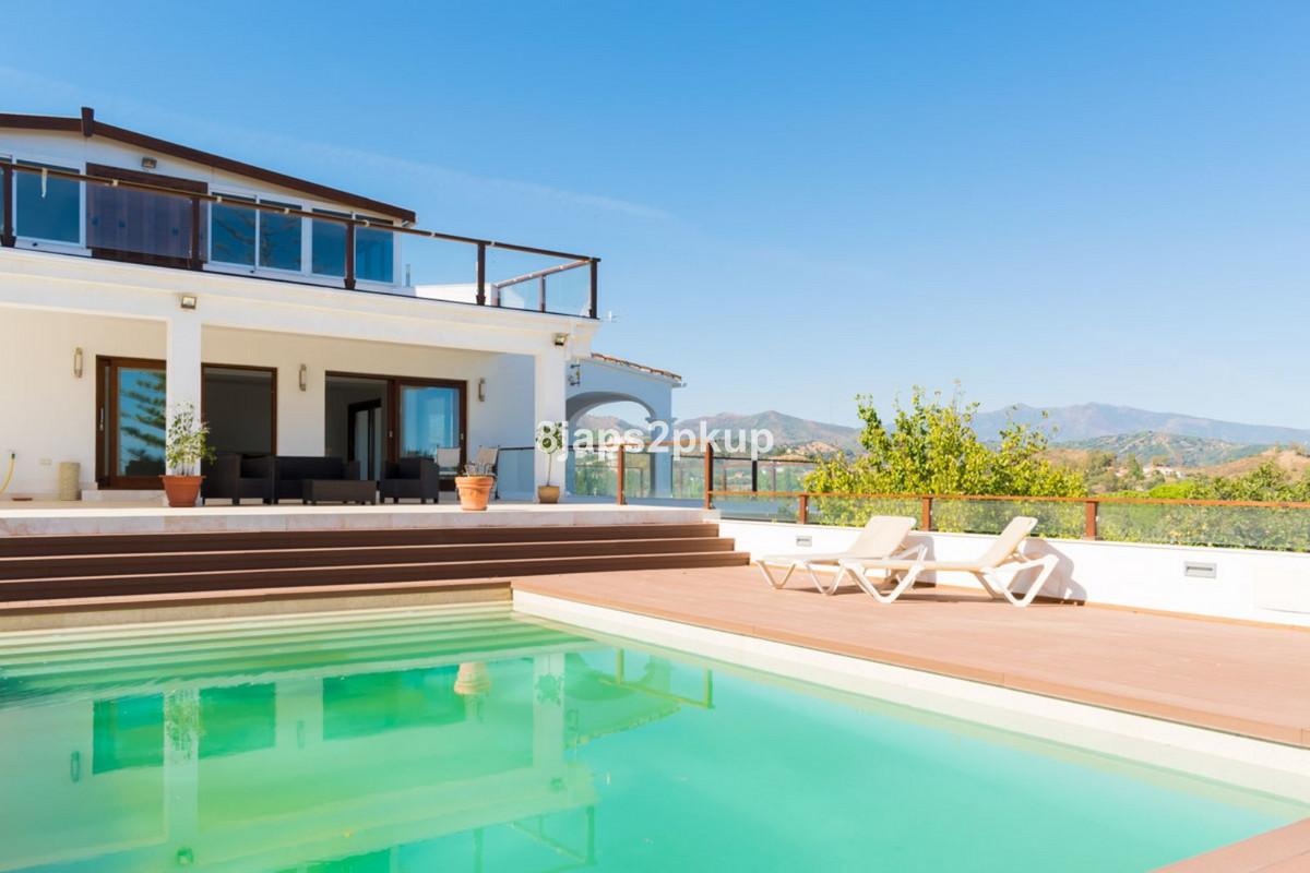 Villa Detached Estepona Málaga Costa del Sol R3399973 2
