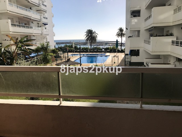 Middle Floor Apartment - Estepona
