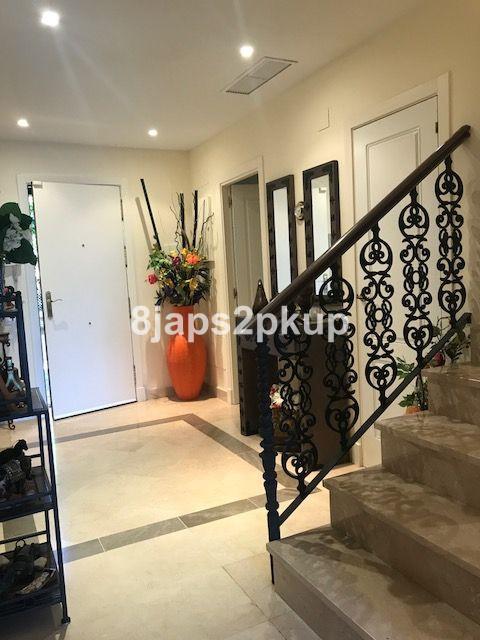 Adosada en venta, Estepona – R3326122