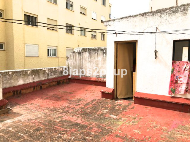Penthouse, Estepona, Costa del Sol. 3 Bedrooms, 1 Bathroom, Built 64 m², Terrace 50 m².  Setting : T,Spain