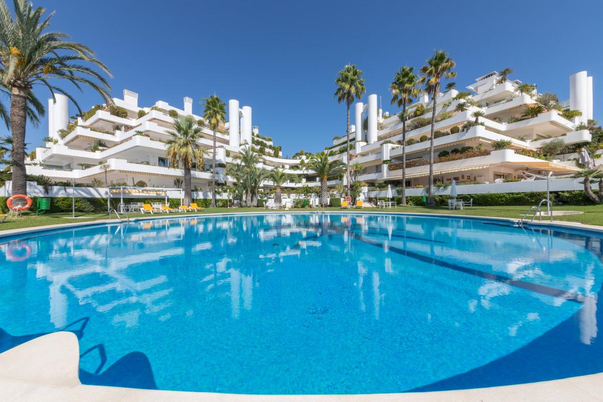 Marbella Banus Apartamento Planta Baja en Venta en Marbella – R3549319