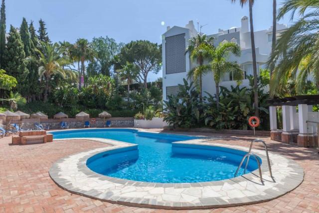 Apartamento Planta Baja en Venta en Marbella – R3205909