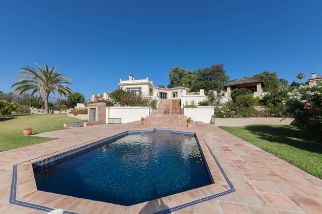 Valle del Sol - Delightful detached villa situated in a semi rural location yet only 5 minutes drive, Spain