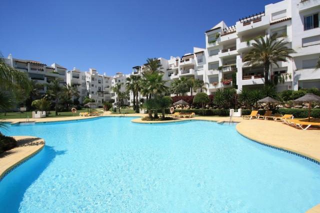Marbella Banus Apartamento Planta Media en Venta en Costalita – R2789720