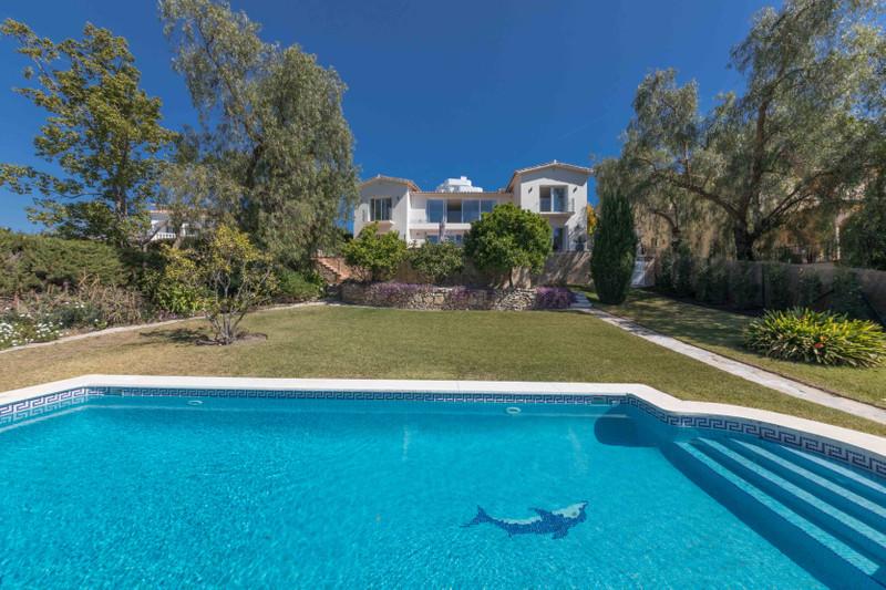 Villa – Chalet en venta en Guadalmina Alta – R3362965