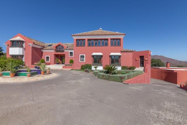 Villa Te Koop - La Mairena