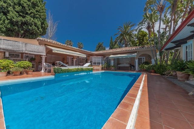 Marbella Banus Villa – Chalet en Venta en Hacienda Las Chapas – R2675411
