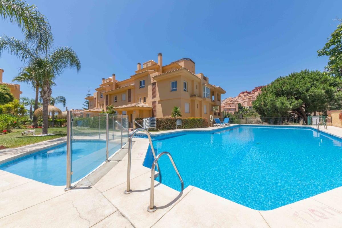Marbella Banus Apartamento Planta Media en Venta en Calahonda – R3436891