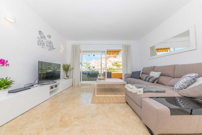Apartamento Planta Media en venta, Calahonda – R3436891