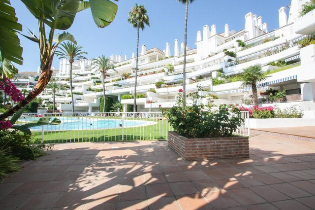 Ground floor apartment with 2 bedrooms, 2 bathrooms, located in an exclusive area of Rio Real Golf i,Spain