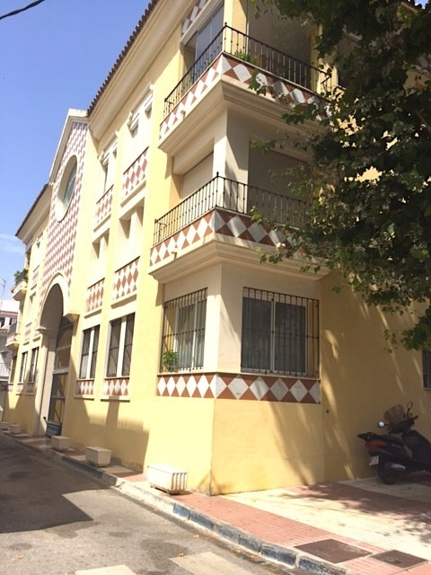 Marbella Banus Apartamento en Venta en San Pedro de Alcántara – R3875518