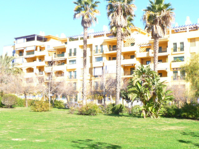 AVAILABLE NOW This beautiful apartment is located within the secure and exclusive urbanisation of Lo, Spain