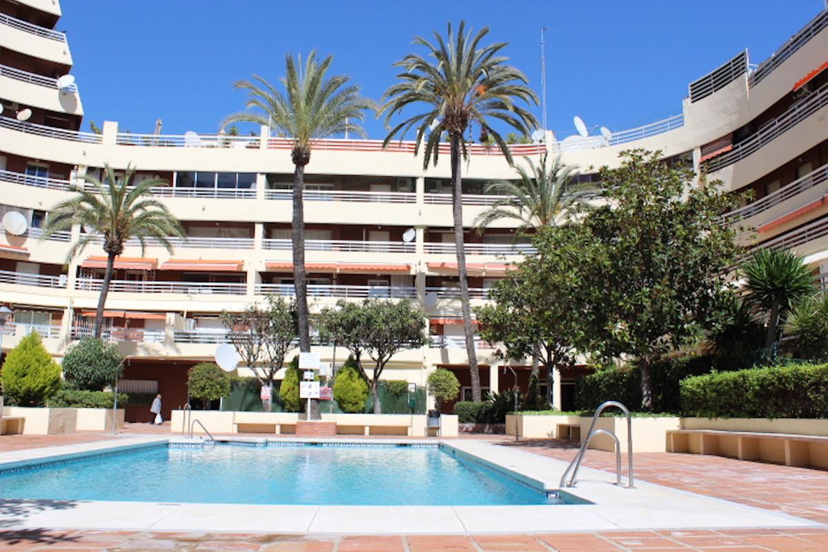 Marbella Banus Apartamento en Venta en Marbella – R3679430