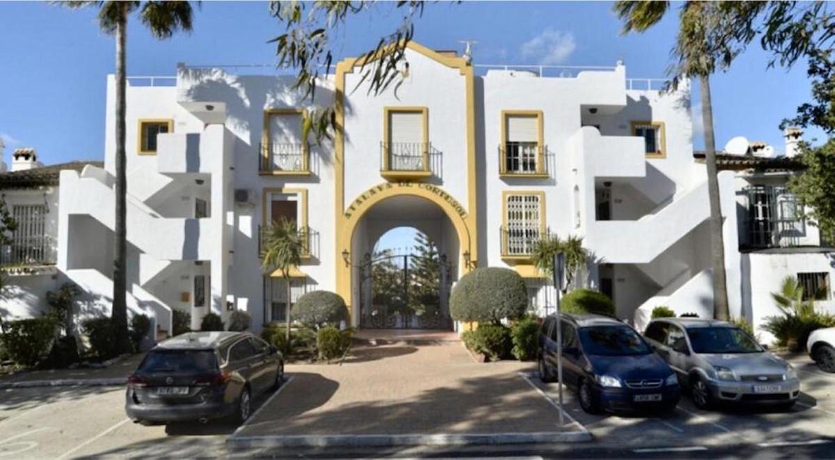 Marbella Banus Apartamento Planta Media en Venta en Atalaya – R3347638