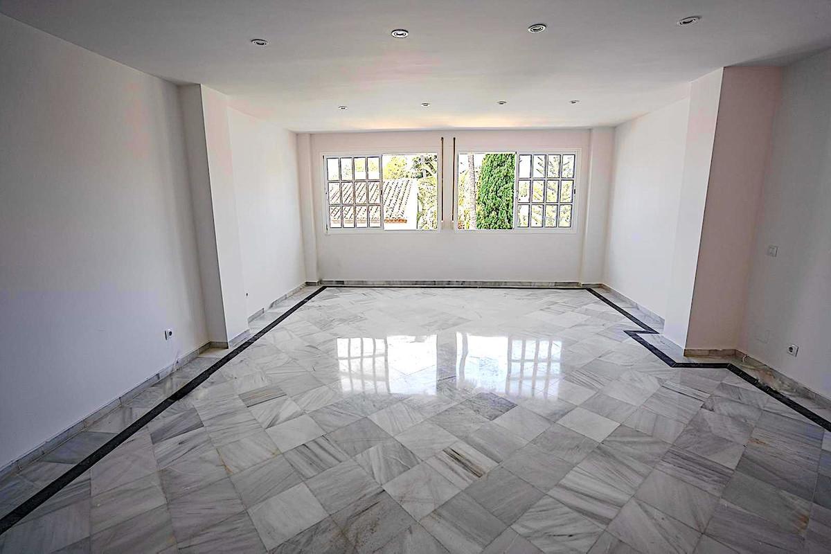 Apartamento en Venta en Atalaya – R3347638
