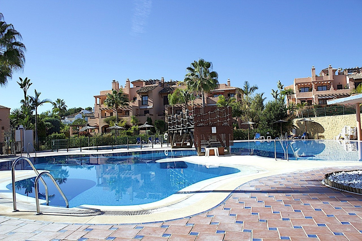 Apartment  Middle Floor 													for sale  																			 in Hacienda del Sol