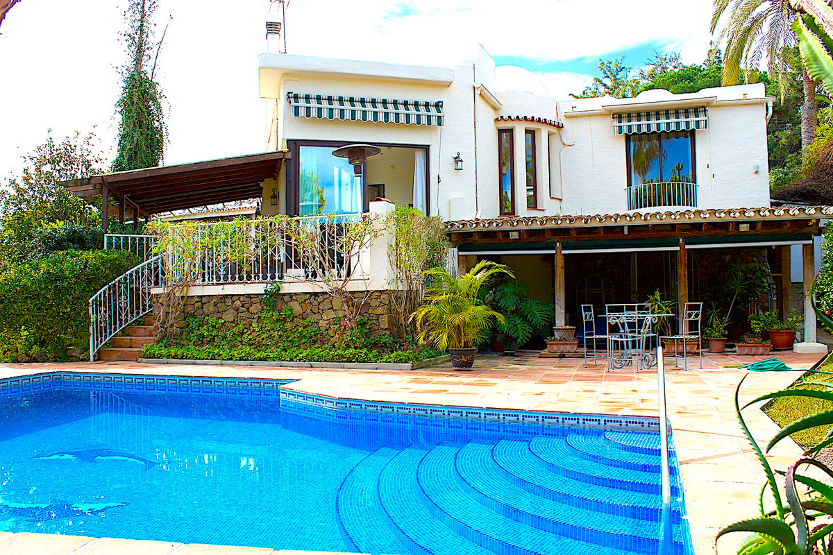 We are delighted to be able to offer for sale this charming villa situated within small and exclusiv, Spain