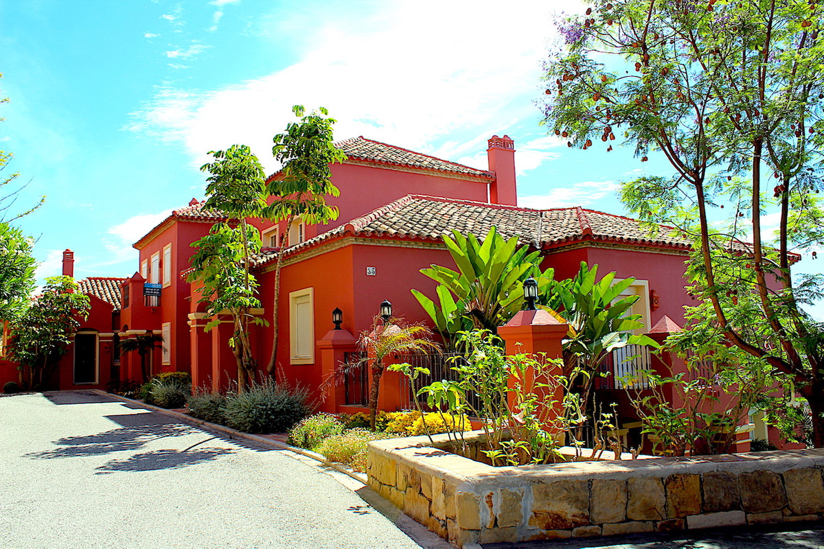 Townhouse - Monte Halcones
