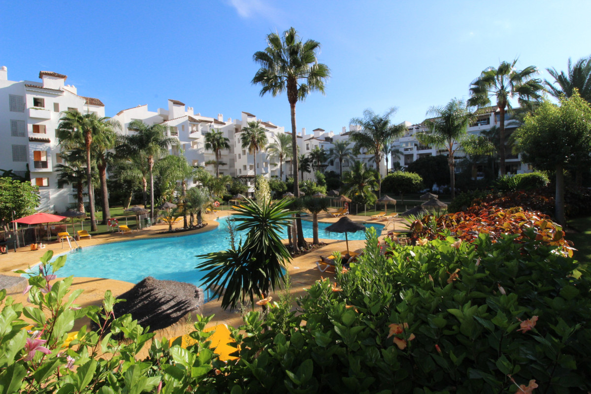 Apartment  Middle Floor for sale   in Costalita