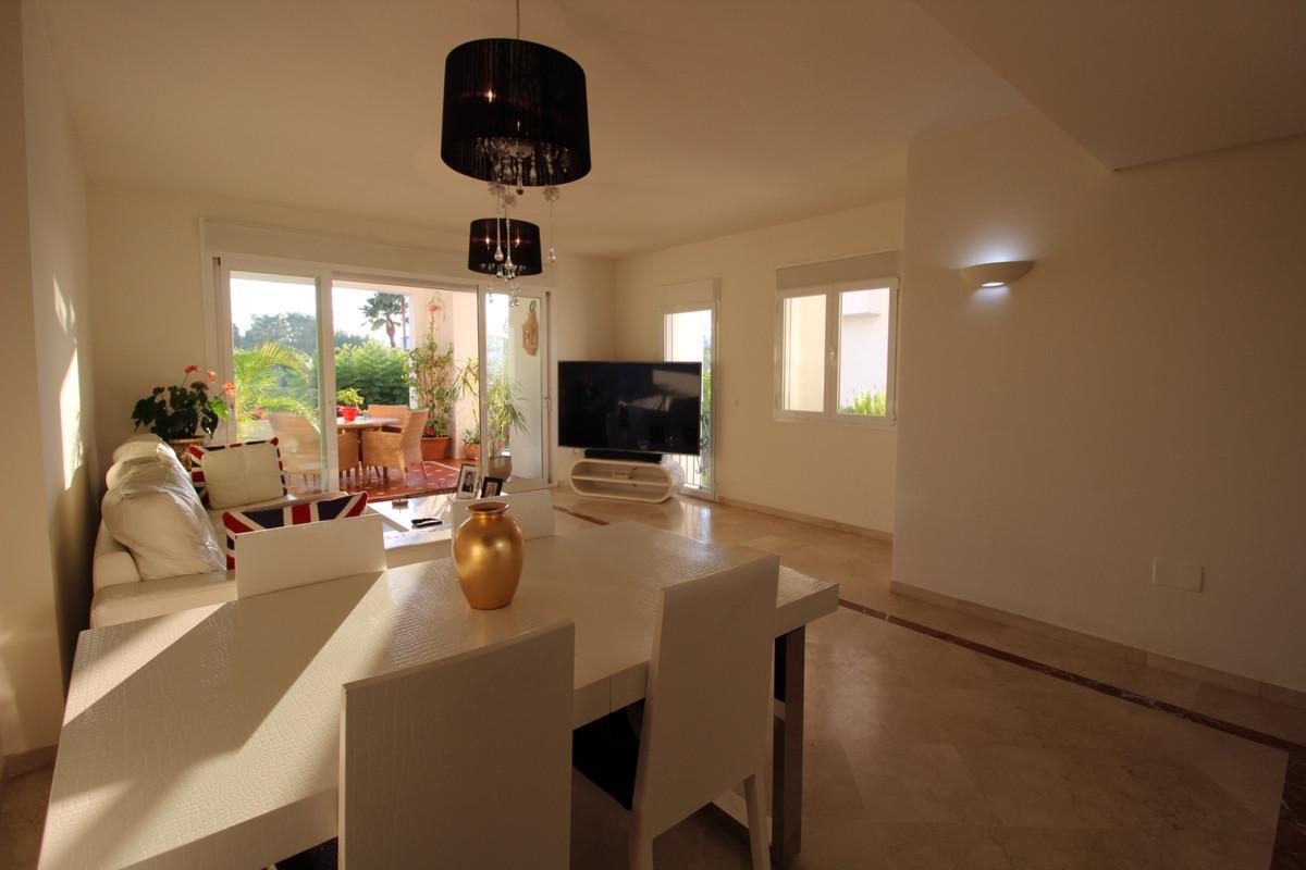 Apartamento Planta Media en Venta en Costalita – R2630285