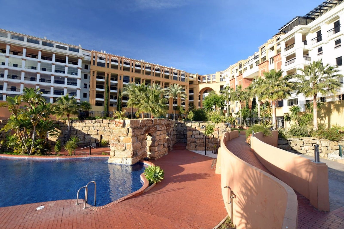 This magnificent apartment located in San Pedro de Alcantara beach side. The property features 2 bed,Spain