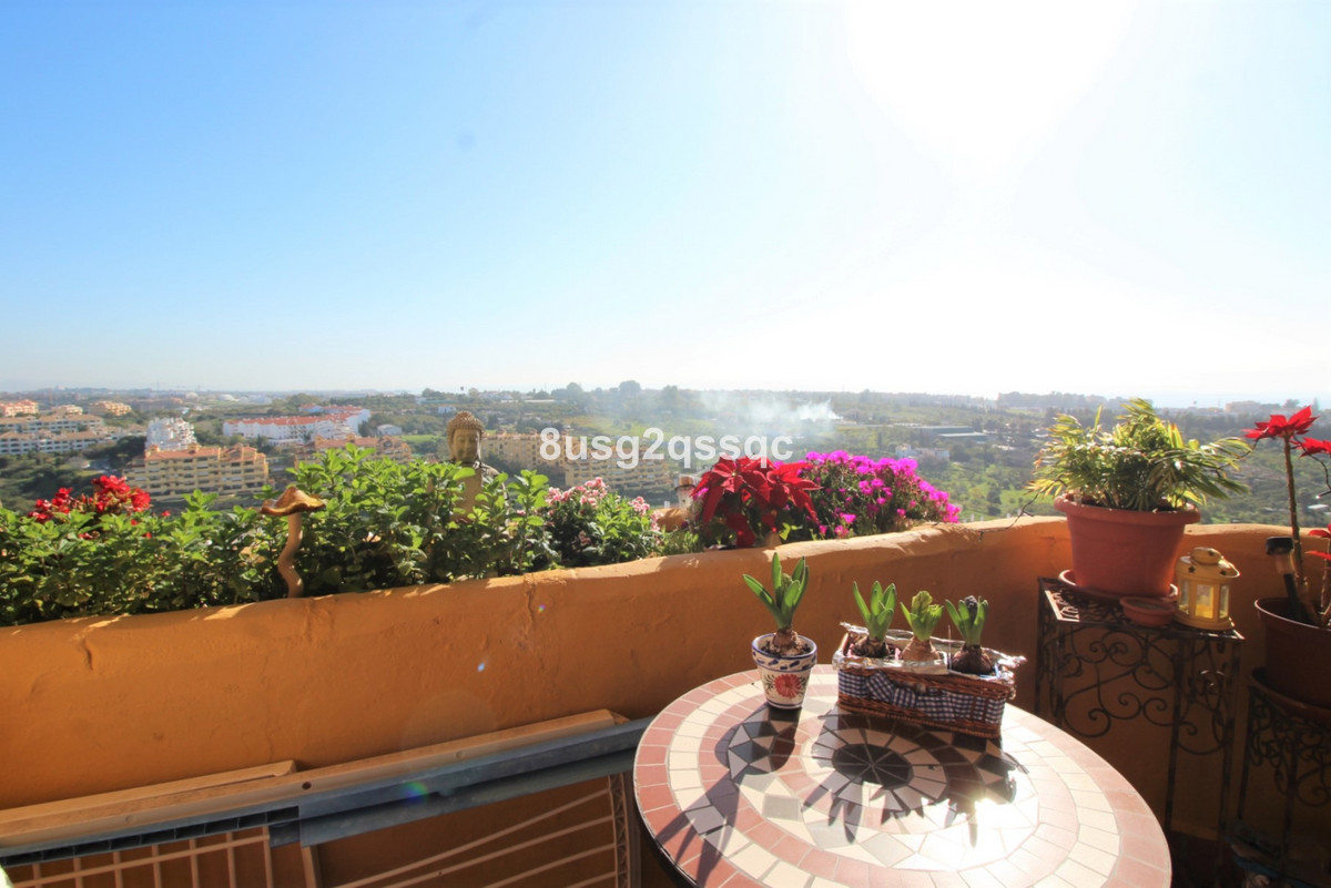 Marbella Banus Apartamento en Venta en Selwo – R3606560
