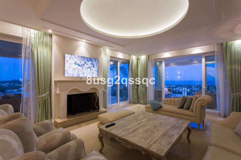 Villa con 9 Dormitorios en Venta Los Flamingos