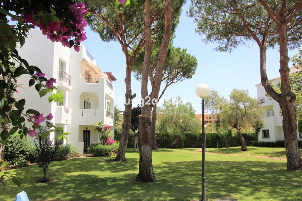 Apartamento Planta Baja en Costalita, Costa del Sol