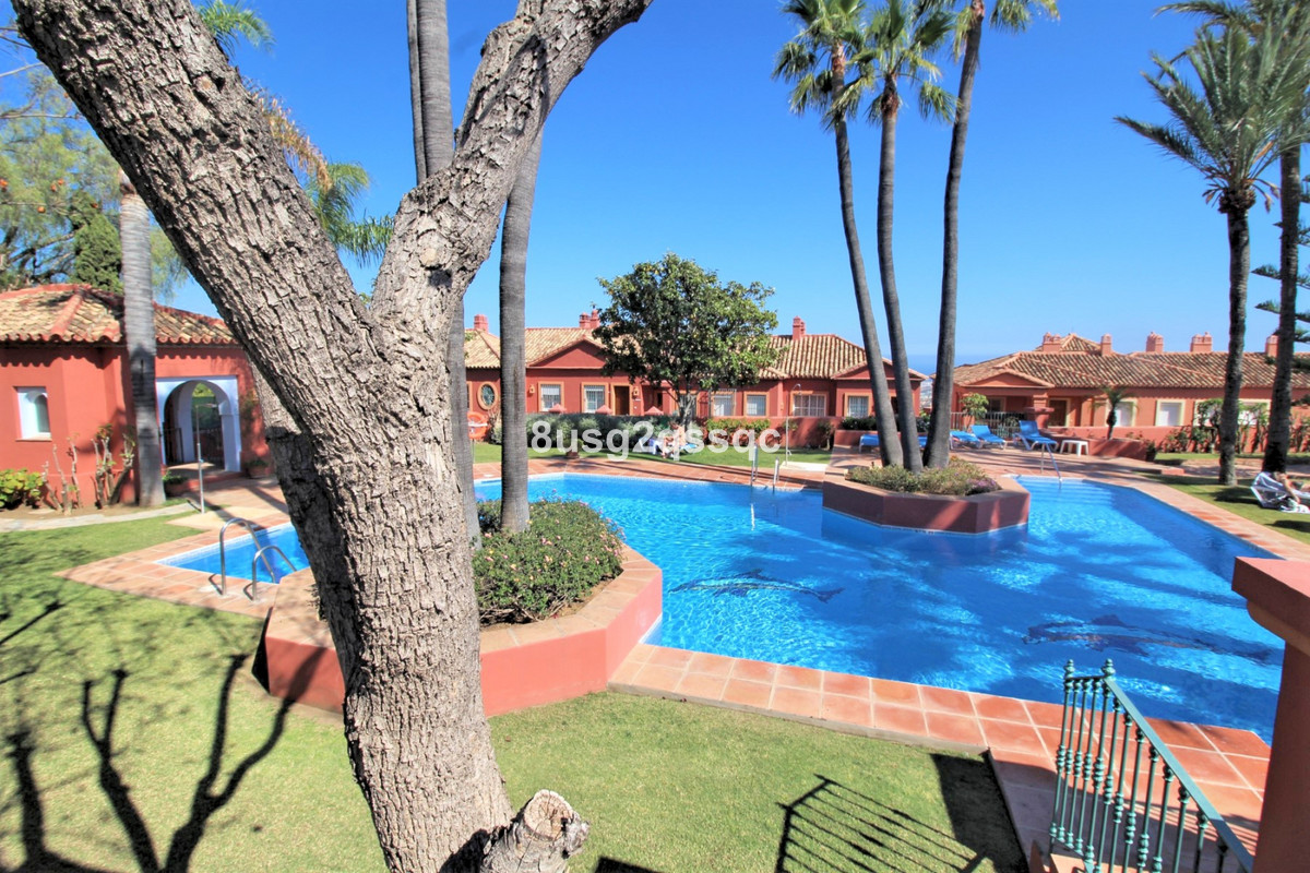 Newly built 3 bedroom townhouse with spectacular golf views.  A three bedroom Townhouse recently ren,Spain
