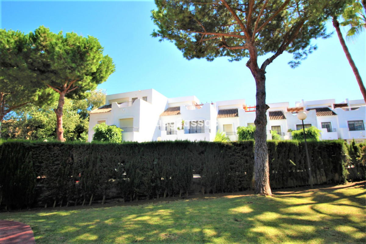 Lovely 4 bedroom townhouse situated just 300m form the beach in Costalita.  The property has recentl,Spain